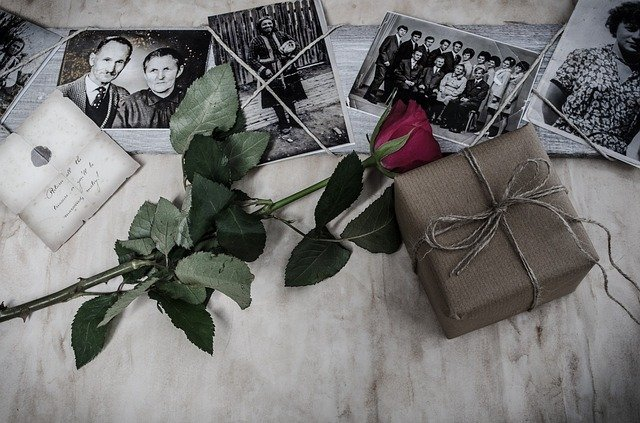 21 Genealogically Brilliant Gifts for Family History Buffs